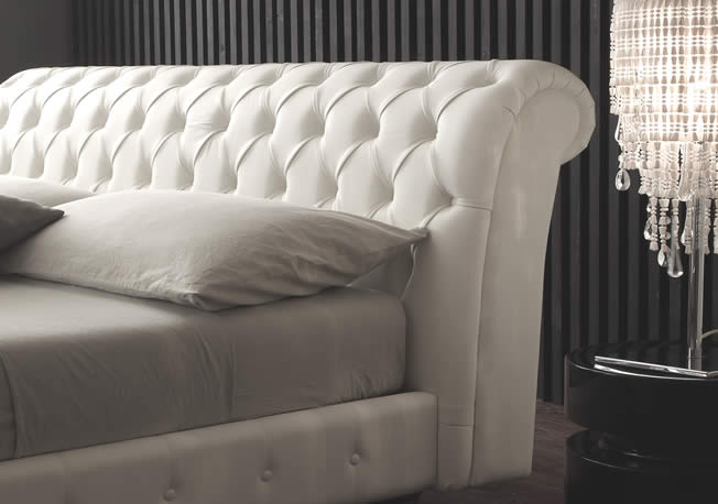 Letto Chesterfield.Double Beds Beds And Bedframes With A Storage Base Marion