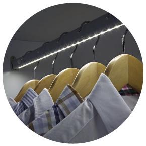 Esempio luce automatica per armadi